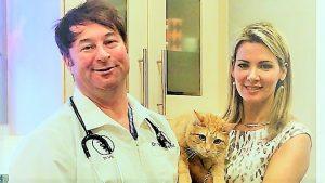 Seattle Cat Behaviorist Mieshelle Nagelschneider with Veterinarian